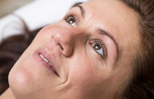 permanentní makeup korekce